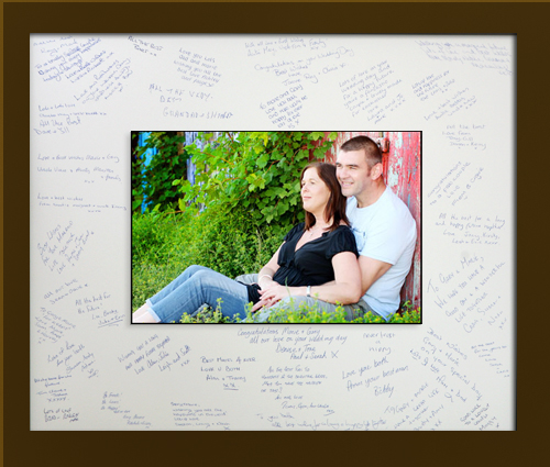 20×24 Framed Signature Frame – suitable for over 80 guests £200