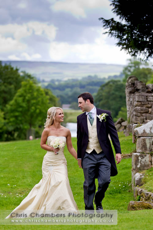Devonshire Arms wedding photographer | Yorkshire wedding photography at Devonshire Arms