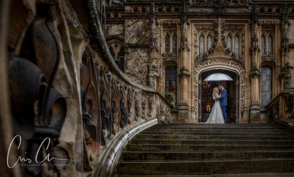 Wet wedding photography, rain on your wedding day.