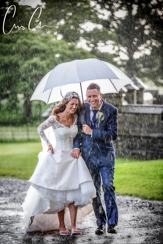 Wet wedding photography tips - Allerton Castle