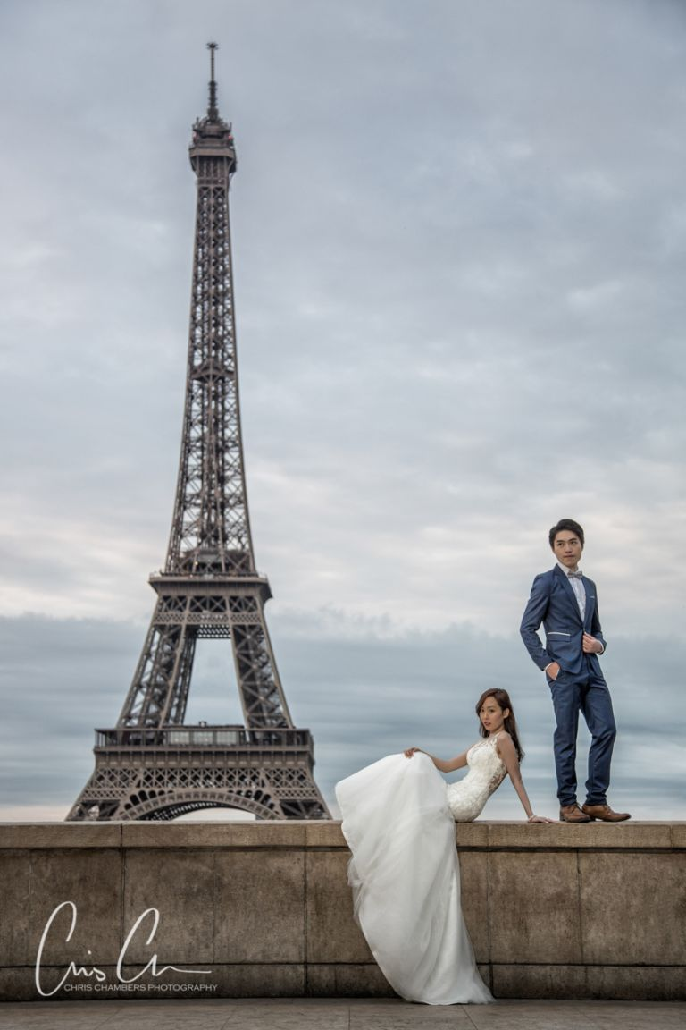 Paris pre-wedding photo shoot. Paris photographer