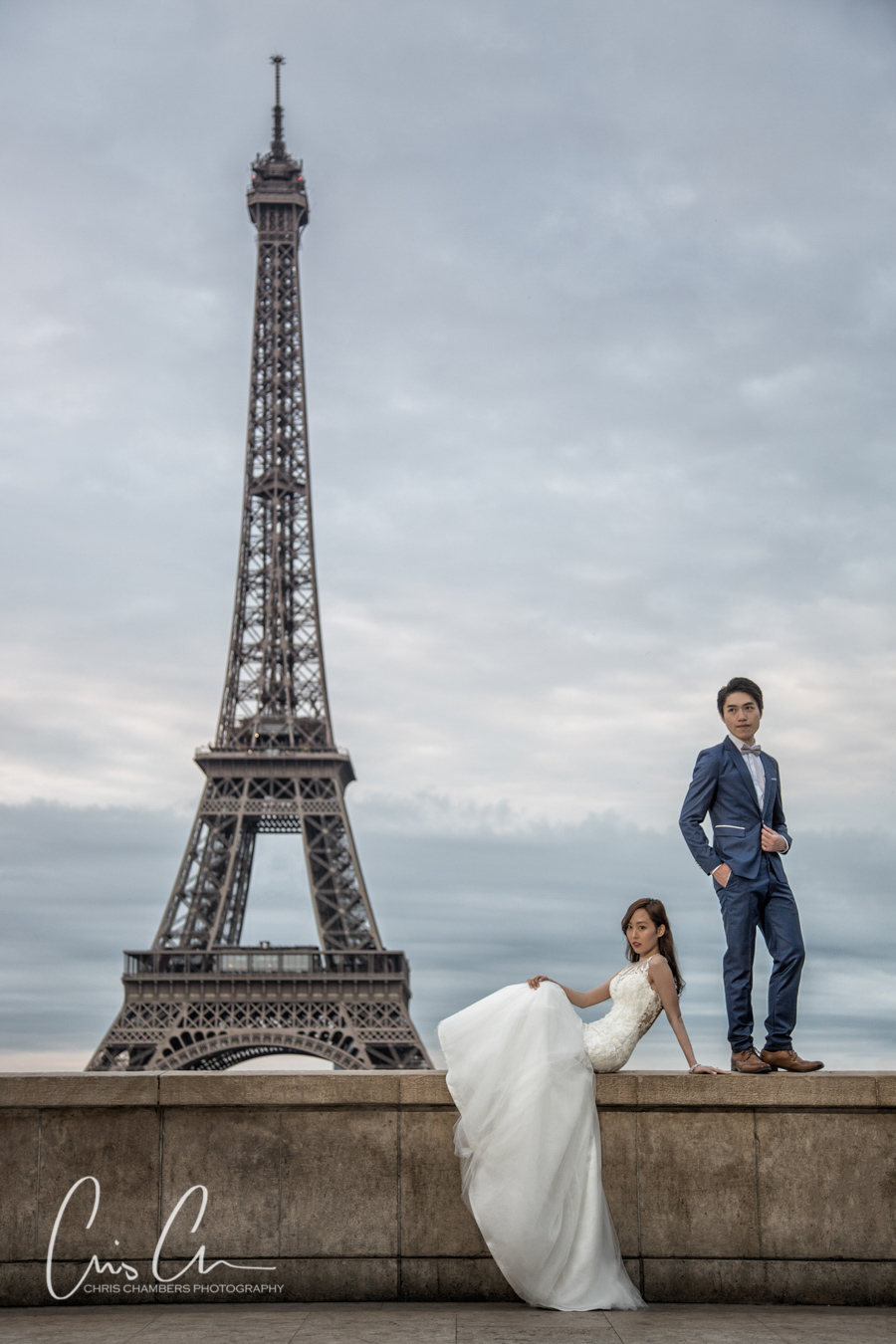 Paris pre-wedding photo shoot. Paris photographer